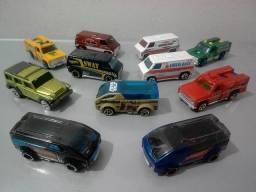 Miniaturas Hot Wheels - Nissan e Civic