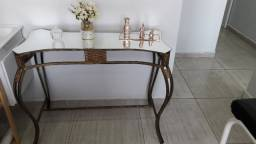 Mesa/aparador + estante de madeira