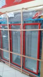 Geladeira expositora 3 portas
