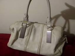 3 Bolsas usadas em couro e tecido