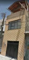 Casa Triplex com 03 Quartos