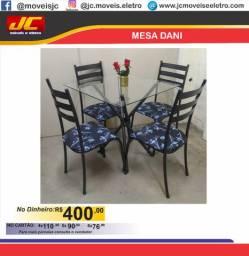 Mesa Dani com vidro e 4 cadeiras           000