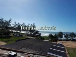 Casa com sala comercial e vista para o mar, em Imbituba SC