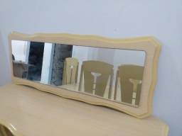 Conjunto de mesa com 05 cadeiras, Aparador e espelh. Usados - GAranhuns