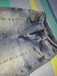 Short e calças jeans