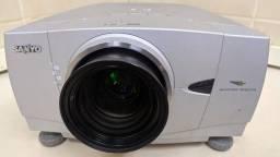 Projetor LCD Sanyo 5000 lumens