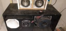 Amplificador machine A1500 de 400 RMS real  e  caixa com sub 12' 650 RMS real