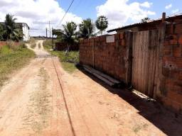 Vendo uma casa só precisa reforma localização em Pacatuba bairro Alvorada