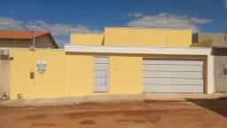 Casa com ótimo acabamento no Itaparica em Caldas novas