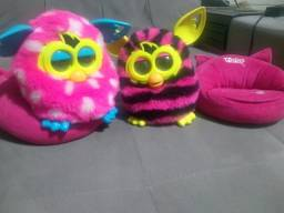 Furby Boom Fala Português Hasbro Com Almofadinha