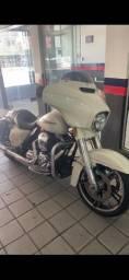 Harley Davidson street glide especial