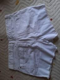 Short saia branco jeans