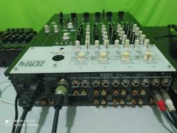 Mixer zero4 marca Korg