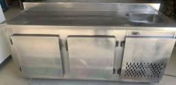 Balcada refrigerado em inox funcionando perfeitamente impecável  220 volts
