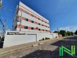 Apartamento com 2 dormitórios para alugar, 38 m² por R$ 800,00/mês - Uruguai - Teresina/PI