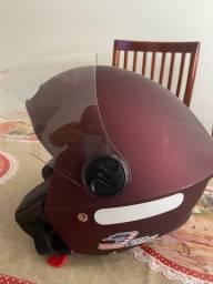 Vendo capacete novo poucas vezes usado .