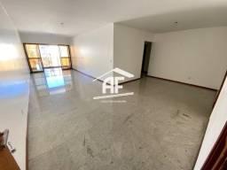 Apartamento nascente com ótima localização na Ponta Verde, possuindo 147m²