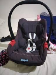 Bebê conforto e banheiro com suporte...