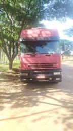 Caminhão Iveco 2003/2004