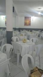 Locação de mesas e cadeiras de plástico