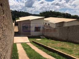 Casa á venda com 3 dormitórios e piso porcelanato, São Joaquim de Bicas