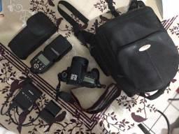 Máquina digital Canon EOS 60D e acessórios