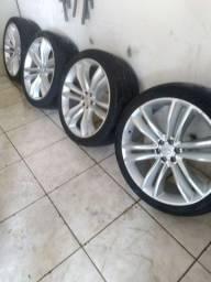 Rodas 22  com os pneus 6 furos