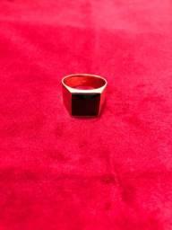 Lindo anel quadro em ouro 18k
