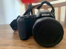 Câmera Nikon L810 com todos os acessórios