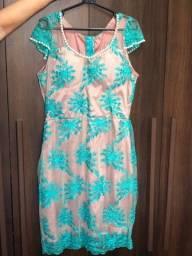 Vestidos R$50 cada