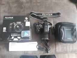 Câmera fuji semi profissional