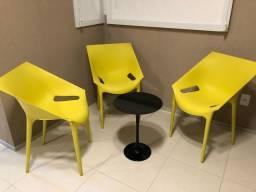 03 Cadeiras Italiana de Polipropileno
