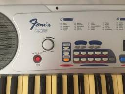 Teclado musical profissional