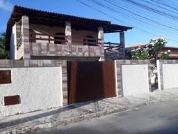 Casa duplex, 4 quartos, ampla , independente e com área externa/jardim, em condomínio