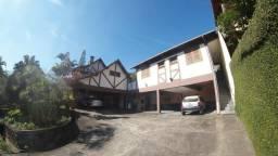 Casa c/ 4 quartos e terreno de 1.600 m² na Castelânea
