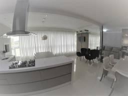 Excelente apartamento finamente mobiliado em meia praia