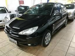 Peugeot 206 1.4 Presence 2005 4 portas Completo - 2005