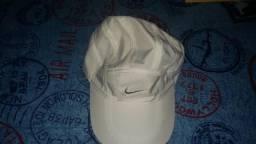Bone Nike Branco original Nao faz entrega 49b3435e09c