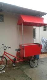 Vendo uma food bicke ela um carrinho de churrasco com compartimento dentro do carrinho