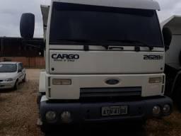 Caminhão Ford gargo - 2011