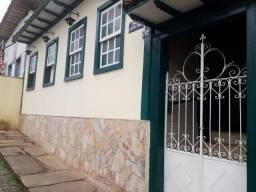 Casa à venda com 2 dormitórios em Centro, Mariana cod:5486