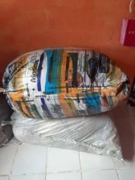 Fardos de roupas para brechó ou bazar