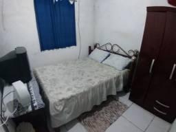 Aluga-se quartos a partir de 400 reais