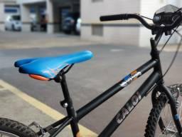 Bicicleta Aro 20 - Hot Wheels - Caloi pouquíssimo uso