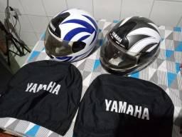 Capacetes Yamaha usado adesivado tamanho 60