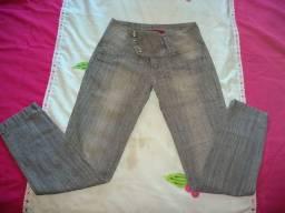 Calças jeans novissimas ( Tam. 40 ) as duas por 35 reais