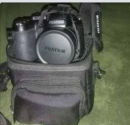 Câmera fotográfica/ Filmadora semi profissional Fujifilm