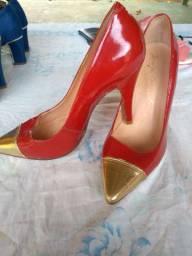 3 pares de sapatos femininos numeração 35/36 usados