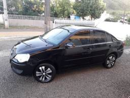 VW \ Polo Sedan 1.6 Flex ( Completo ) Único Dono / Financio / Ano 2011