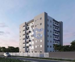 Apartamento 2Qtos1Ste. Prédio c/ elevador e piscina.
